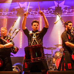 ki-wo-de_titelbild_redhotchillipipers